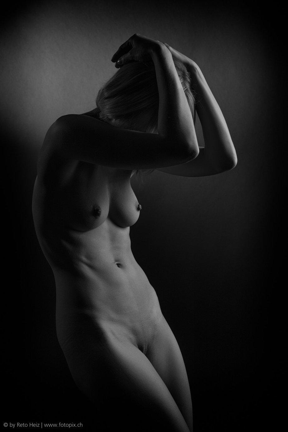 lowkey_female_nude