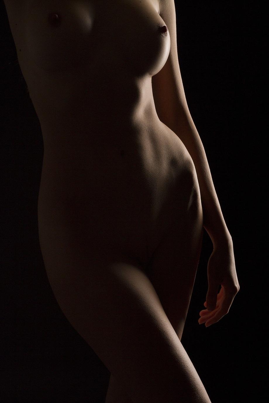 naked-3049568