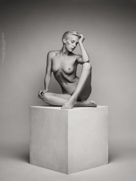 Lilith Etch - figure nude 4